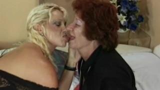 Granny fickt Ihre lesbische Freundin