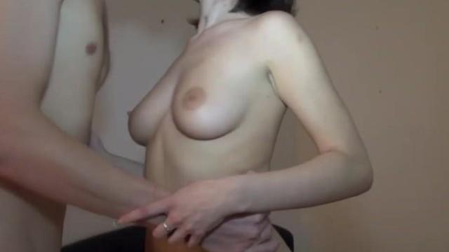 Schüchternes Mädchen lässt sich beim Sex filmen
